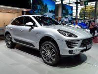thumbnail image of Porsche Macan S Diesel Paris 2014