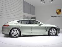 Porsche Panamera S Hybrid Geneva 2011, 2 of 5