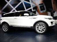thumbnail image of Range Rover Evoque Paris 2010
