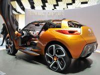 thumbnail image of Renault Captur Geneva 2011