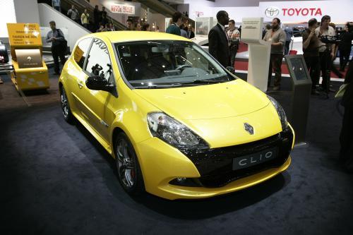 Renault Clio Renaultsport 200 представлен в Женевском автосалоне. [Фотографии]