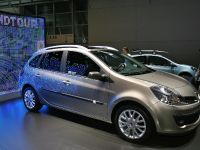 thumbnail image of Renault Clio Sport Frankfurt 2011