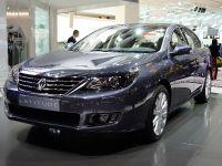 thumbnail image of Renault Latitude Paris 2010