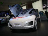 thumbnail image of Renault Zoe Z.E. Concept Frankfurt 2009