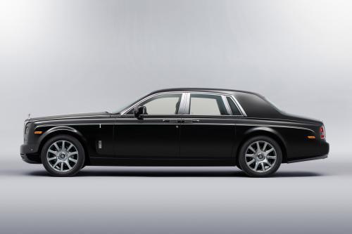 Rolls-Royce Art Deco Phantom Дебютирует В Джакарте