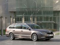 Skoda Superb Combi, 3 of 32