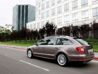 Skoda Superb Combi, 7 of 32