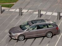 Skoda Superb Combi, 9 of 32
