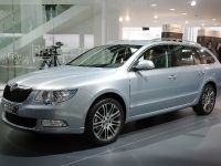 Skoda Superb Estate Frankfurt 2009, 4 of 4