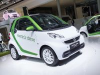 thumbnail image of smart electric drive Frankfurt 2011