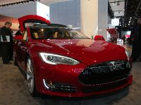 Tesla Model S Detroit 2013, 2 of 6