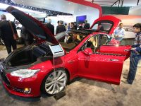Tesla Model S Detroit 2013, 3 of 6