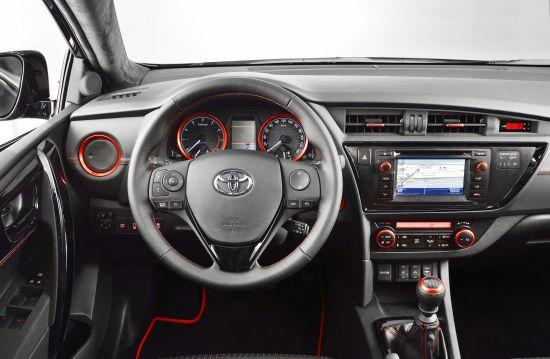 Toyota Auris Touring Sport Black