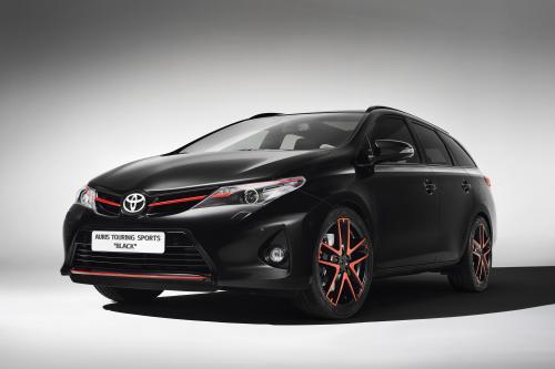 Женевский Автосалон: Toyota Auris Touring Sports Black