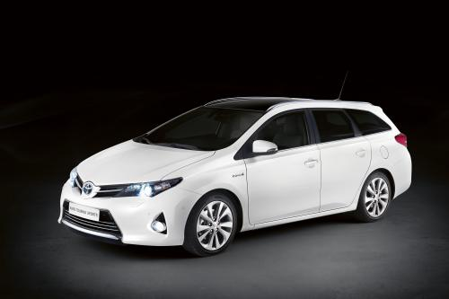 Toyota Auris Touring Sports открыл в Париже