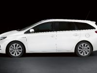 Toyota Auris Touring Sports, 2 of 6
