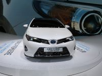 thumbnail image of Toyota AurisHybrid Touring Sports Paris 2012