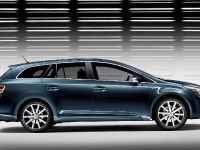 Toyota Avensis, Urban Cruiser and iQ, 8 of 10