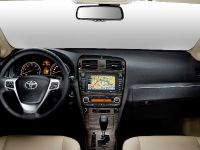 Toyota Avensis, Urban Cruiser and iQ, 7 of 10