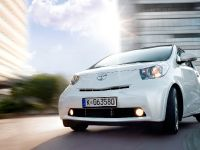 Toyota Avensis, Urban Cruiser and iQ, 6 of 10