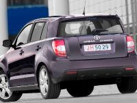 Toyota Avensis, Urban Cruiser and iQ, 3 of 10