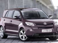 Toyota Avensis, Urban Cruiser and iQ, 1 of 10