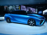 thumbnail image of Toyota FCV Concept Detroit 2014