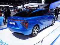 thumbnail image of Toyota FCV Paris 2014
