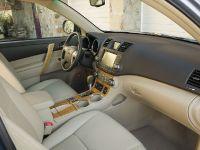 thumbnail image of Toyota Highlander