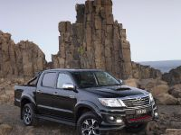 Toyota HiLux Black Edition , 2 of 6
