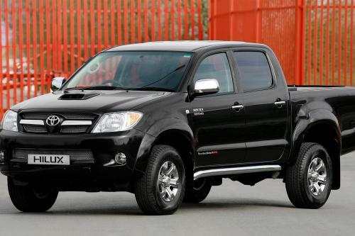 Больше стиля, больше мышц: Toyota Новый Hilux Invincible 200