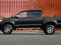Toyota Hilux Invincible 200, 2 of 8
