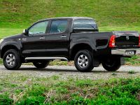 Toyota Hilux Invincible 200, 4 of 8