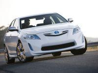 thumbnail image of Toyota Hybrid Camry Concept Vehicle