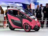 thumbnail image of Toyota i-Road Paris 2014