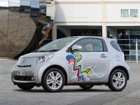 Toyota iQ - Customised Clever Cars, 2 of 5