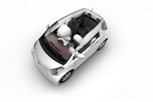 Toyota iQ: маленький и безопасный