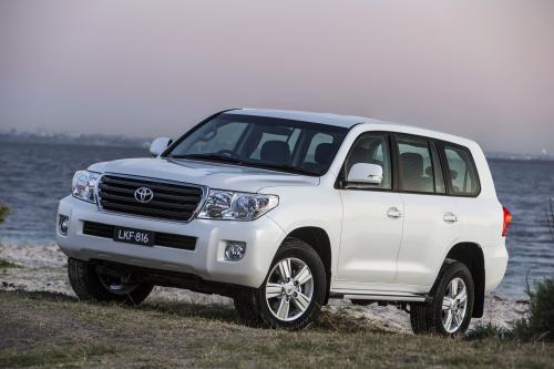 Toyota LandCruiser 200 Altitude Special Edition Включает В Себя Более Оборудование