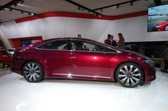 Toyota NS4 Hybrid Concept Detroit