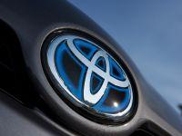 Toyota Prius Hybrid Synergy Drive, 2 of 6