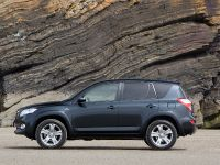 Toyota RAV4 2010, 11 of 16