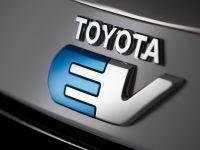 Toyota RAV4 EV, 11 of 33
