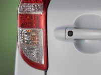 Toyota RAV4 EV, 17 of 33