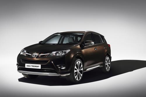 Женевский автосалон: Toyota представила RAV4 Premium концепции и RAV4 Adventure
