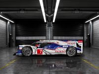 Toyota TS040 Hybrid Race Car, 3 of 3