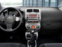 Toyota Urban Cruiser, 4 of 6