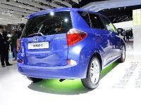 thumbnail image of Toyota Verso-S Paris 2010