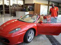 Usain Bolt in Ferrari F430 Spider, 1 of 6