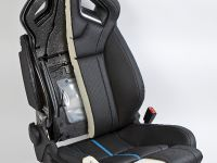 Vauxhall 18-way adjustable ultimate hot seats, 2 of 3