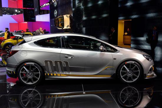 Vauxhall Astra VXR Extreme Geneva